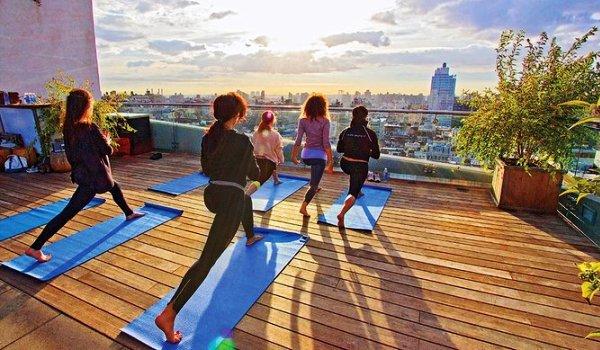 yoga sui tetti a new york