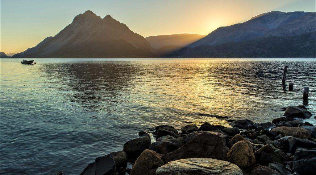 fiordi, lofoten e sole di mezzanotte in norvegia